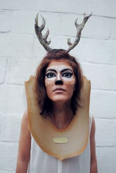 DIY Halloween Taxidermy Deer Costume - diyhalloweencrafts:
