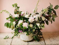 Hard as it may seem to screw up gorgeous, fresh blooms, it takes skill and inherent talent to master floral design, and there are some out there who are blessed with enviable arranging skills. Just …