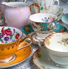 Vintage crockery hire :: Antique china crockery, glassware & silverware hire service, Bristol & Bath