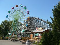 Silverwood Theme Park Photo Gallery: Sky Diver Ride at Silverwood Theme Park