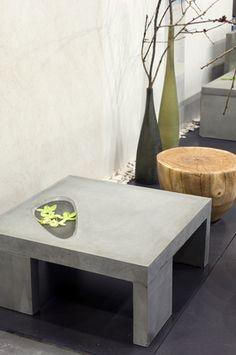 Concrete table. / bontool.com