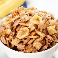 Three easy, no-bake Blueberry Chex party mixes with all of the fresh-picked flavors of summer: Blueberry Crumble, Mixed Berry, and Banana CocoNut. Chex Party Mix Recipe, Homemade Chex Mix, Chex Mix Recipes, Snack Recipes, Freeze Dried Strawberries, Blueberry Crumble, Toasted Coconut, Banana Coconut, Ginger Snap Cookies