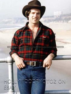 TOM WOPAT SEXY DUKES OF HAZZARD HUNK CANDID TV MOVIE ACTOR RARE 8X10 PHOTO 1