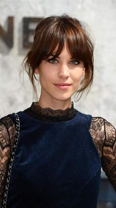 You've Got to See Chloë Grace Moretz's New Bangs - The all-time best celebrity bangs: Alexa Chung's long, center-parted bangs and beautifully blende - Alexa Chung Hair, Alexa Chung Fringe, Celebrity Bangs, Celebrity Beauty, Celebrity Hairstyles, Celebrity Style, Parted Bangs, Corte Y Color, Grunge Hair