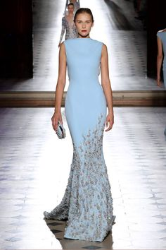 Find tips and tricks, amazing ideas for Tony ward. Discover and try out new things about Tony ward site Elegant Dresses, Pretty Dresses, Blue Dresses, Formal Dresses, Tony Ward, Vestidos Fashion, Fashion Dresses, Beautiful Gowns, Beautiful Outfits