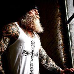 Beards and tattoos Great Beards, Awesome Beards, Beard No Mustache, Moustache, Hairy Men, Bearded Men, Suits And Tattoos, Badass Beard, Beard Love