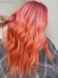 See here the Most Recent Hair Color Ideas to make your hairstyle more stylish and trendy. Must try this Pink shades on your hair and get the stunning look in hair color hair styles Trendy Hair Color Ideas to Reinvent Yourself In 2019 Hair Color Auburn, Hair Color Purple, Hair Color Highlights, Coral Hair, Peach Hair, Gorgeous Hair Color, Cool Hair Color, Sunset Hair, Strawberry Blonde Hair