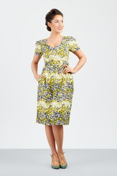 A sassy little v neck 1950s look dress with beautiful figure loving cut.. show off your shapes in this great summer time vintage inspired dress, this great dress will make you look and feel amazing xx
