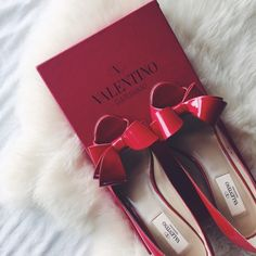 """Valentino Patent Red Bow Kitten Heels •A flamboyant signature bow tops the peep toe of a shiny patent leather pump with a slim heel. 2 1/2"""" heel; 60mm pitch.  •Size EU36, true to size.  •New in box (no dust bags or authenticity cards). Light ripple effect on the interior layer of the bow on the left shoe.  •NO TRADES/PAYPAL/MERC/HOLDS/NONSENSE. Valentino Shoes Heels"""