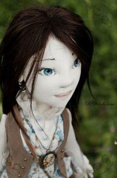 Faye | Romantic Wonders Dolls