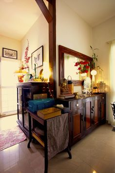 Sujatha and Bharath live in their1500 sqft flat in Madras (Chennai). Are you stuck on the title? I agree, itis a bit cryptic, but when you read through this home tour, and see the photogra…