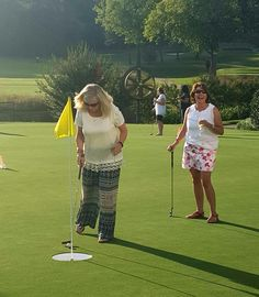 Hoover Country Club ladies' night birdies and bubbles. Champagne putting 2015