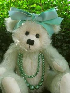 Gemma by Bears by Pat Morris///    I love darling teddy bears.  No where to put the cutie pies :(