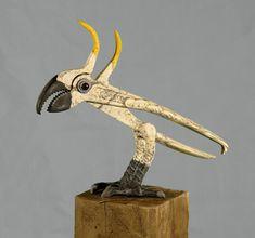 On en pince forcément pour toi ! / Cacatoès. / Cockatoo. / Art de la récup. / Recycled art. / By Kathy Boortz - Whitaker.
