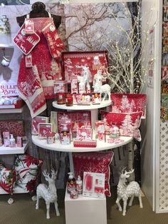 Nothing says winter like classic red & white - right down to the fixtures. Merchandising Displays, Store Displays, Kitchen Shop, Visual Display, Christmas Stockings, Red And White, Seasons, Holiday Decor, Winter