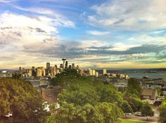 View of downtown Seattle from Queen Anne's Kerry Park on Highland Avenue.