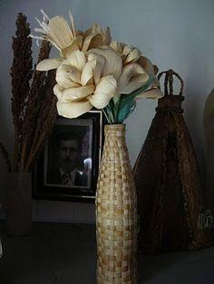 Jarra forrada em fibra de bananeira  http://iracyartesafibrasefolhas.blogspot.pt/