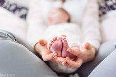 De superbes photo de naissance pour l'arrivée du nouveau-né ! Petit tour avec la photographe pour une adorable séance photo de la petite Margaux et...