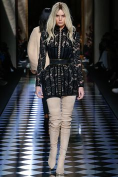 Balmain, Look #59 Kendall Jenner goes blonde as part of the Balmain Army for Aw16