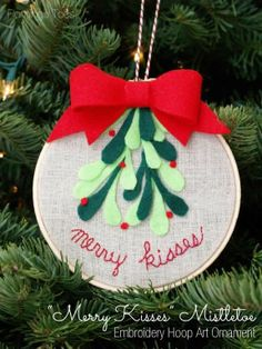 DIY Mistletoe Ornament