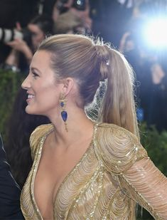 Red carpet hairstyle. Edgy ponytail - Blake Lively. Celebrity hairstyle. Met Gala 2017