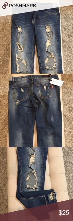 """Distressed Denim Jeans New with tag. Antiqued and distressed looking. I like this cut because if you buy them big they can be worn as a boyfriend jean. If you buy them and they fit tight you have more of a straight/skinny jean. I wear a lot of both❣️ Size 7. 98% cotton 2% spandex. 25"""" inseam.😊🌹 These won't be marked down. No offers unless part of a bundle. The Classic Denim Los Angeles Jeans Ankle & Cropped"""
