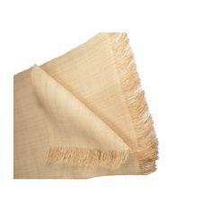 Notre raphia de qualité supérieure est produit à partir de feuilles de palmier originaire de Madagascar. Le raphia est une matière naturelle déco formidable, adaptable en revêtement naturel, meubles, têtes de lit, ou en habillage naturel de vos paravents ou portes. Confectionnez votre propre décoration naturelle avec ce tissage rabane très facile à travailler.