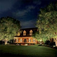 Lighting surely has a soothing effect on a house. Gotta like this...