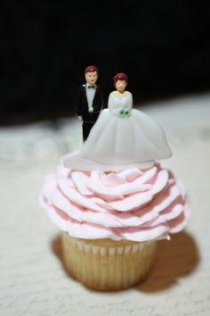 Kitschy wedding cupcake topper