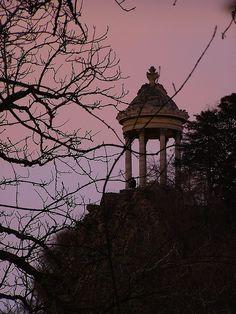Sibylle Temple, Buttes Chaumont Park, Paris XIX