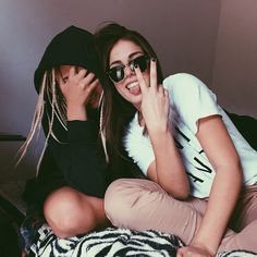 looks like our typical pictures Go Best Friend, Best Friend Pictures, Bff Pictures, Best Friend Goals, Best Friends Forever, Friend Pics, Best Friend Photography, Life Photography, Photography Ideas