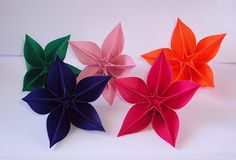 Designed By Carmen Sprung Folded Sara Adams This Is S A Beautiful Flower Used To Make Carambola Kusudama Easy Origami Instructions