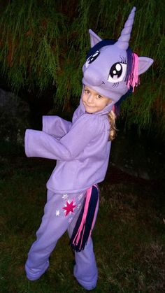 7fc4ec761 My daughter wanted to be Twilight Sparkle from My Little Pony this Halloween.  Here's how