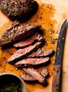Chimichurri Sauce w/ flank steak! With or without the steak, chimichurri sauce is the best! Chimichurri Sauce Recipe, Steak With Chimichurri Sauce, Sauce Steak, Sauce Recipes, Beef Recipes, Cooking Recipes, Beef Flank, Seared Salmon Recipes, Ricardo Recipe