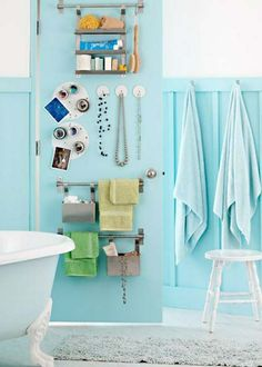 5 Small Bathrooms with Smart Storage: Door storage. A light blue bathroom features a door covered in magnetic paint. The surface holds small magnetic hooks and keeps metal towel bars and containers from knocking around. Creative Bathroom Storage Ideas, Small Bathroom Organization, Home Organization, Creative Ideas, Bath Storage, Smart Storage, Door Storage, Storage Bins, Extra Storage