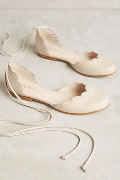scalloped lace-up ballet flats.....NEED.