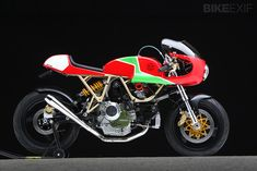 Walt Siegl's Ducati Leggero racebike—a track version of his roadgoing Leggero custom motorcycles. You can also find hi-res images on our Google+ page at https://plus.google.com/u/0/b/101554244823678290874/101554244823678290874/posts/3bX17ibocq7