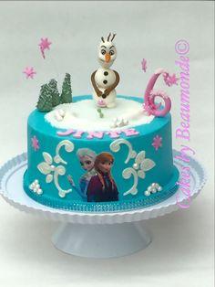 Frozen taart met verliefde Olaf in 3D en een eetbare fotoprint van Elsa & Anna.
