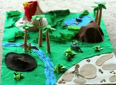 Felt Dinosaur Play mat and a Giant Felt board tutorial Dinosaur Play, Dinosaur Crafts, Projects For Kids, Diy For Kids, Sewing Projects, Felt Crafts, Crafts For Kids, Felt Play Mat, Play Mats