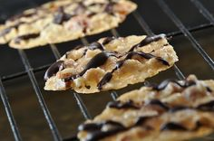 """""""Italian Florentine"""" Cookies! Lacy & delicious, super easy & even GlutenFree & DairyFree! What's not to love?!"""