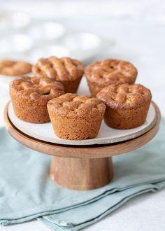 Kleine speculaas appeltaartjes - Laura's Bakery High Tea, Muffins, Breakfast, Desserts, Sweet Stuff, December, Drinks, Tea, Morning Coffee