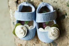 Baby Shoes- this lady has the cutest baby booties ever for sale on Etsy. Cute Baby Shoes, Baby Girl Shoes, My Baby Girl, Baby Love, Wool Shoes, Felt Shoes, Chloe Fashion, Fashion Shoes, Girl Fashion