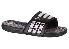 This Adidas Calissage waterproof sports slide offers round open toe gel cushioning for added comfort.