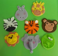Jungle cupcake toppers!