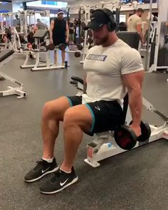 What's your favourite arm exercise. : What's your favourite arm exercise. : What's your favourite arm exercise. Big Biceps Workout, 300 Workout, Gym Workout Videos, Gym Video, Workout Challenge, Life Fitness, Fitness Pal, Muscle Fitness, Fitness Motivation