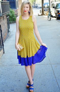 Courtney of @darlingtwo breaks out a yellow & blue H&M sundress for the warm days ahead. | H&M OOTD