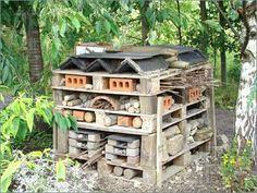 Build A Simple Bug Hotel Insect Inn To Welcome