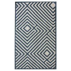 A+graphic+anchor+for+neutral+furniture+and+vibrant+decor+alike,+this+flatweave+wool+rug+showcases+a+bold+geometric+motif.+  +  Product:+