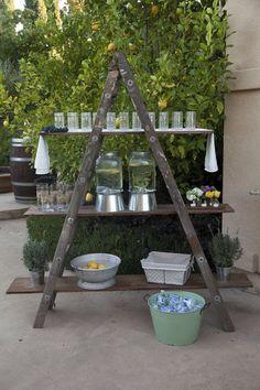 Un decor de nuntă simplu și rafinat- Scara de lemn…