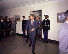 President Kennedy arriving at the Pentagon. Maybe to meet Agent Mason???!!